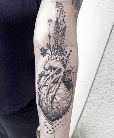 heart tattoos 784x950 00007608 392x475 - heart-tattoos_784x950_00007608