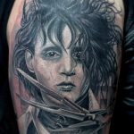 portrait tattoo artist 584x950 00013007 150x150 - portrait-tattoo-artist_631x342_00012974