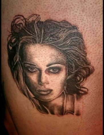 portrait tattoo artist 729x950 00012963 365x475 - portrait-tattoo-artist_729x950_00012963